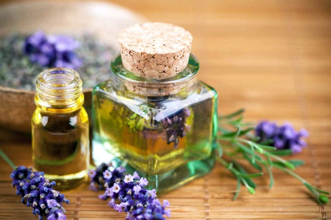 Use essential oils to grow hair faster
